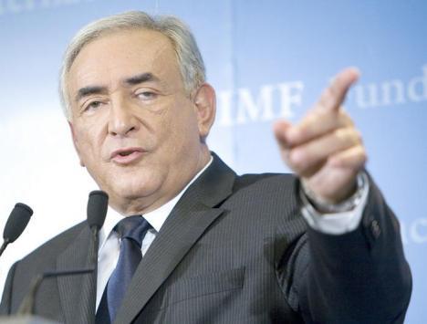 """A Világbank, amelyet Paul Wolfowitz után a cionista Dominik Strauss Kahn vezet, a  neoliberalizmus erőszakos terjesztője!!  Dominik Strauss Kahn nyíltan vállalta: ,,Mindennapi tetteimmel is azon vagyok, hogy Izrael érdekeit segítsem"""""""
