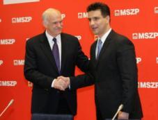 Papandreu és Mesterházy. Két ember, aki a saját nemzetére rontott.