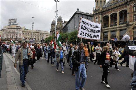 deviza-tüntetők