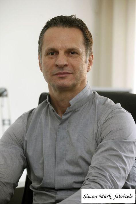 Tóth Lajos Barna dr.