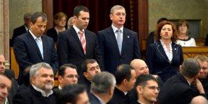 Oláh Lajos, Molnár Csaba, Gyurcsány Ferenc és Vadai Ágnes: hamis, tehát  érvénytelen esküt tettek az Országgyűlés keddi alakuló ülésén