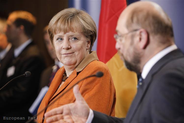 Merkel azzal a Martin Schulz-zal, akinek még leérettségiznie sem sikerült - legalábbis eddig