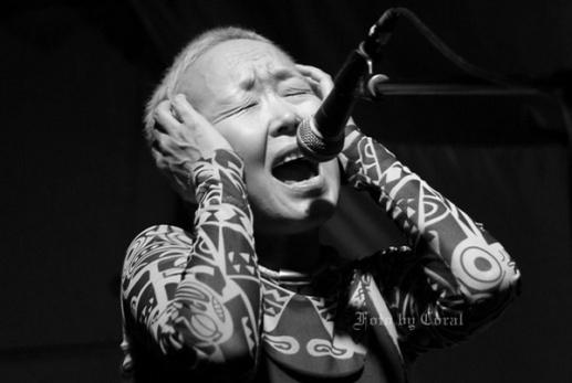 Sainkho Namtchylak, tuva énekesnő