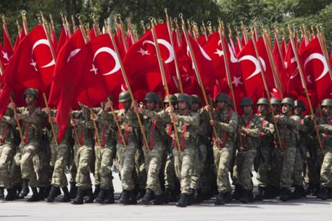Török hadsereg fenekedése az oroszok ellen.