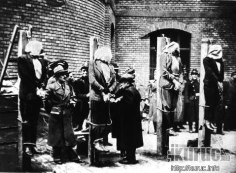 A zsidó Péter Gábor felügyeli Magyarország lefejezését