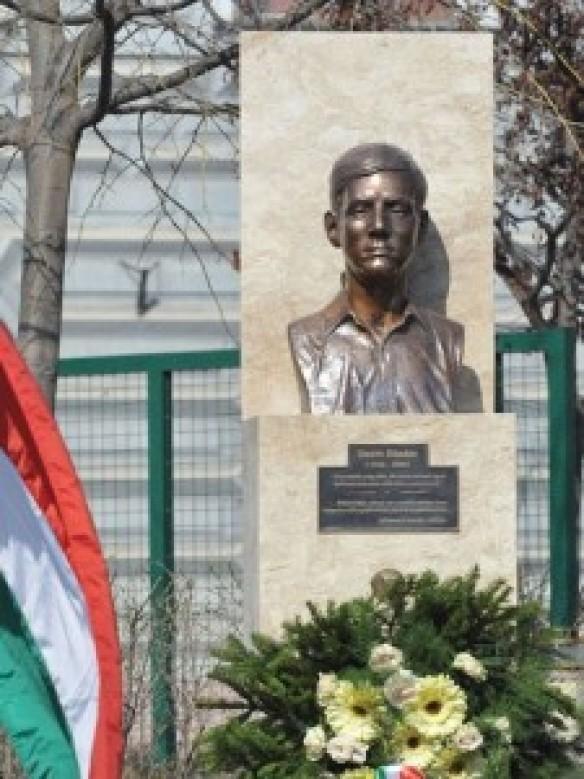 Műemlék: Bauer Sándor 1969-ben gyújtotta fel magát