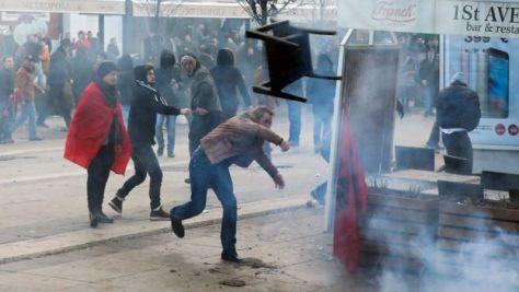 kosovopristina-demo-repuloszek