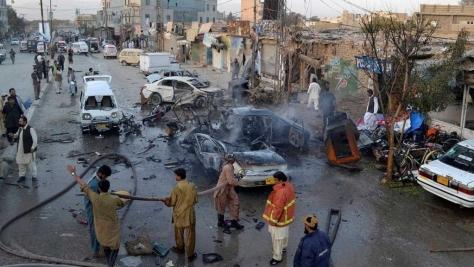 Quetta városban 2016 jan. 14.-én a gyermekbénulás elleni oltási központ épületét öngyilkos bomba-merénylő támadja meg: 15 halálos áldozat.