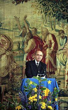 Otto von Habsburg 1991 bei der Verleihung des Coudenhove-Kalergi-Preises der Paneuropa-Union an Helmut Kohl