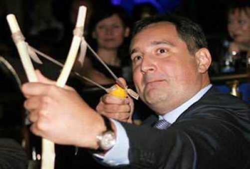 Rogozin szerint a románokat parittyával is a Fekete Tengerbe lehet kergetni