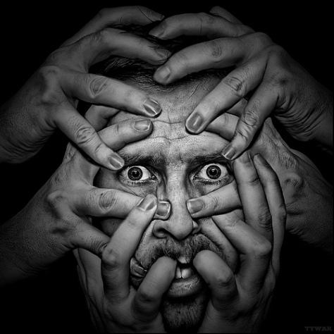 A folyamatos félelem egy idő után átcsap egy állandósult jellemferdülésbe: a gyávaságba!