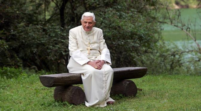 """Miért """"váltották"""" le oly gyorsan XVI. Benedek pápát?"""