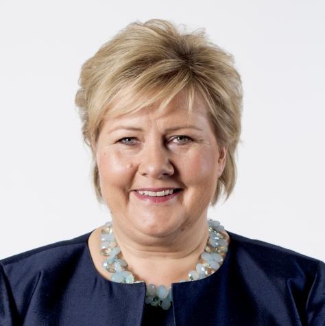 Erna Solberg norvég politikus, 2004-töl a konzervatív Pàrt Høyre elnöke. 16. Október 2013 Miniszterelnök. Szül.: 24. Február 1961 (Kora 55 év), Bergen, Norvégia Férje: Sindre Finnes (házasok 1996 óta)