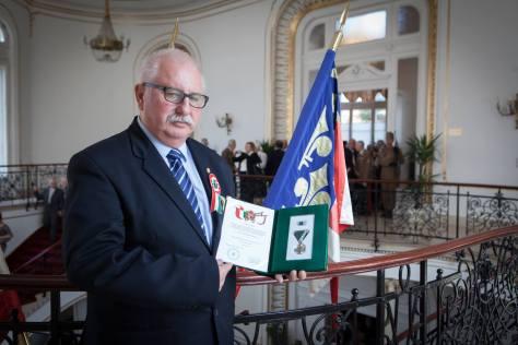 A gyulai fideszes nemzet áruló: Tolnai Péter!