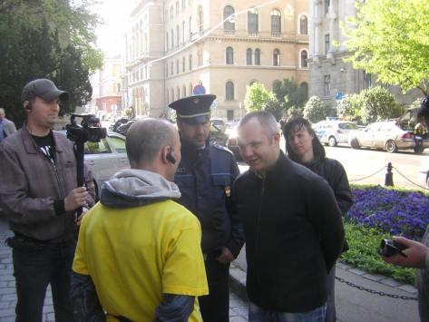 3 Rendőrökkel