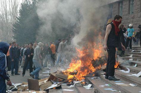 2009 április 7: Államcsapás Chisinauban a román titkosszolgálatok szervezésében