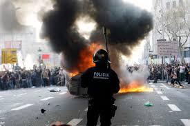 A szokásos menetrend: Sztrájk -> tüntetés -> militáns tüntetés!