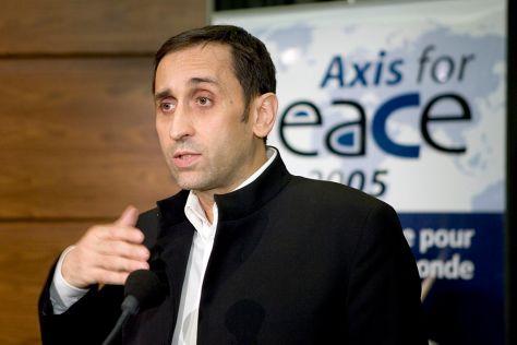 Thierry Meyssan francia újságíró, a Voltaire Hálózat alapítója, a közel-keleti problémakör szakértője