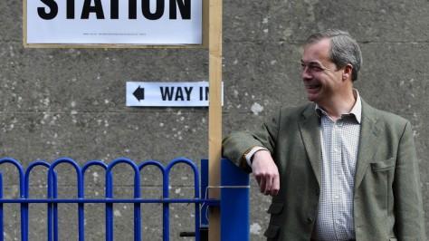 Nigel Farage EP képviselő a kilépni akarok legfőbb szószolója!