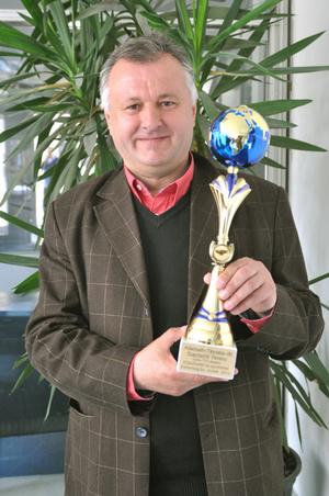 Szaniszló Ferenc az Alternatív Táncsics-díjjal