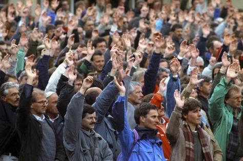 Szavazás Appenzellben (Schweiz) utoljára csak férfiak, 1989-ben a nők szavazati jogáról.