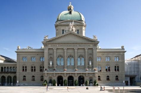 A nemzetgyűlés (mindkét kamara) és a Szövetségi tanács székhelye, Bern, Schweiz