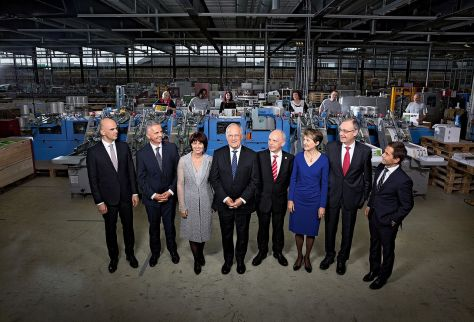 A svájci Szövetségi tanács tagjai 2016-ban. KözÉpen az elnök, és jobboldalt a kancellár, aki nem tartozik a kormány tagjai közé!