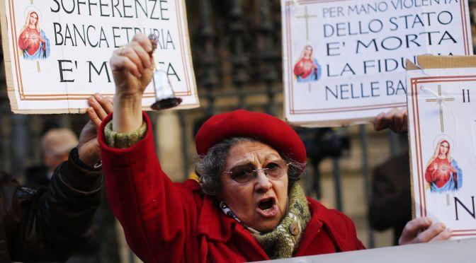 Olaszországban megrohamozták a bankokat és kiürítik a pénzautomatákat