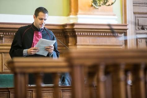 Prancz Balázs ügyész Budaházy ellen. A per kezdetén a Központi Nyomozó Főügyészség fogalmazója volt.Egy kezdő, túlbuzgó nyikhaj.