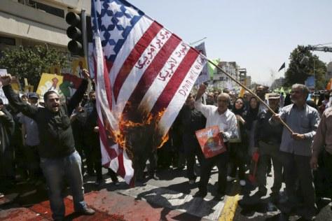 USA david csillagos zászlaját égetik Iránban