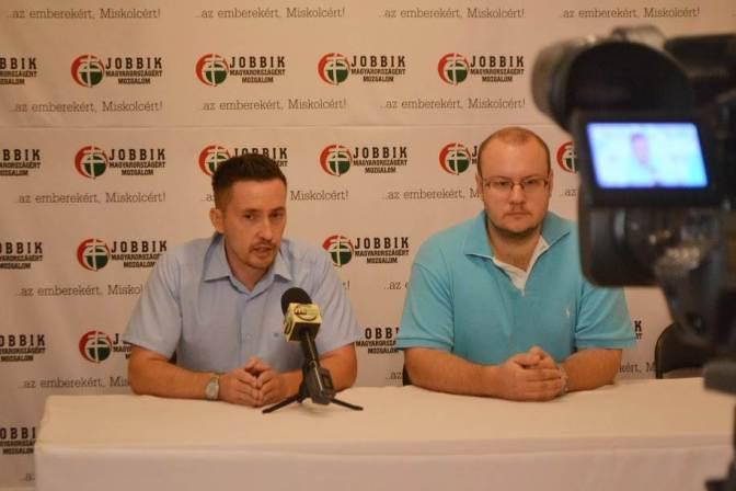A miskolci Fidesz terel a migránsokkal
