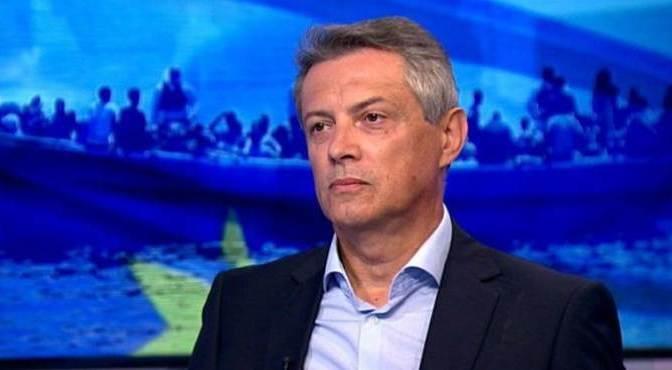 Földi: 3 irányból indul támadás Magyarország ellen
