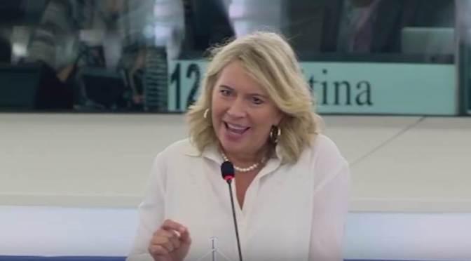 Morvai helyretette a hazug Junckert népszavazásügyben (videóval)