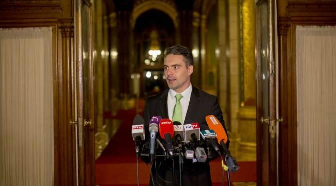 Jobbik: Az alaptörvény-módosításnak része kell legyen a letelepítési kötvény megszüntetése is!