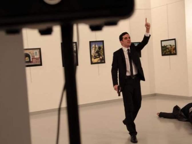 A török titkosszolgálat gyilkolhatta meg az orosz nagykövetet Ankarában – Erdogan hamis zászló trükkje