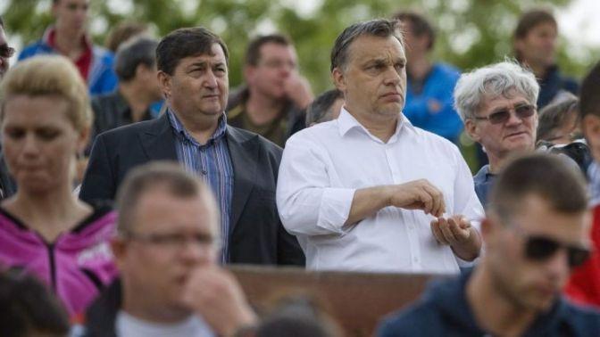 """Ha beledöglünk is… – """"Szeletek"""" az Orbán éra környezetéből"""