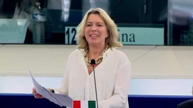 Közérdekű adatok kiszivárogtatói: bűnösök vagy hősök? – Morvai felszólalása az EP-ben