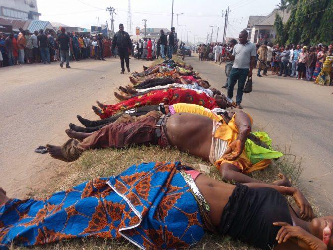 Újévi mészárlás a templomkapuban. – Újévi szentmiséről kilépő keresztényeket gyilkoltak meg Nigériában.