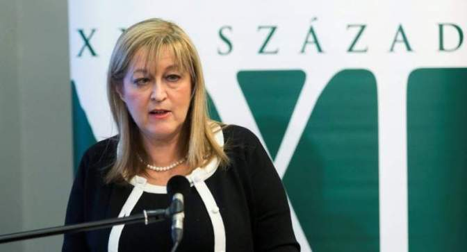 Titkolja Schmidt Mária, hogy Soros-ösztöndíjat kapott