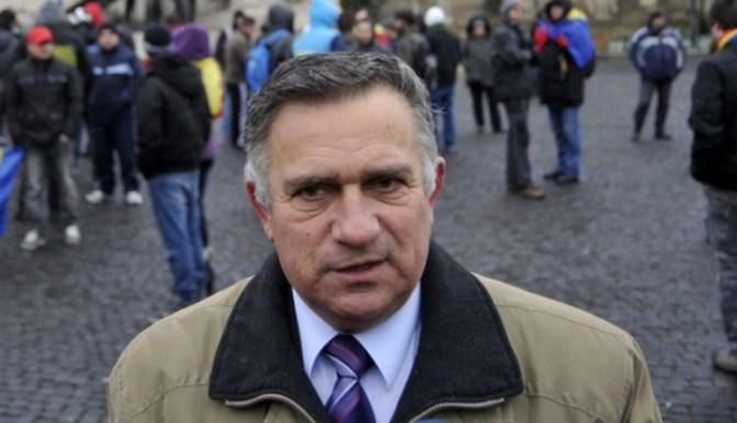 Funar új pártja feltámasztaná a magyargyűlölő Vatra Românească szellemiségét