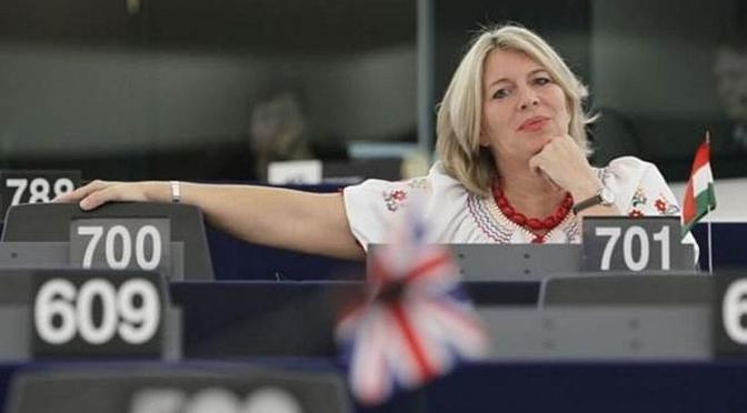 Újra Magyarország az EP célkeresztjében – Interjú Morvai Krisztinával az újabb brüsszeli magyarellenes programról 📻