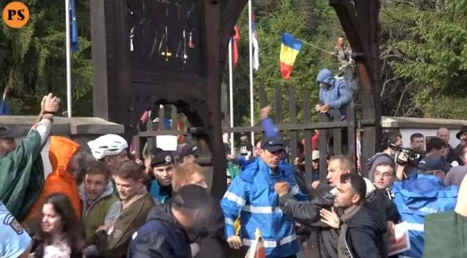 A románok törtek, zúztak, gyaláztak (+videó)