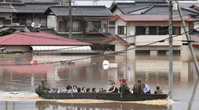 Ítéletidő Kyúsúban, 830 ezer lakos hagyta el otthonát