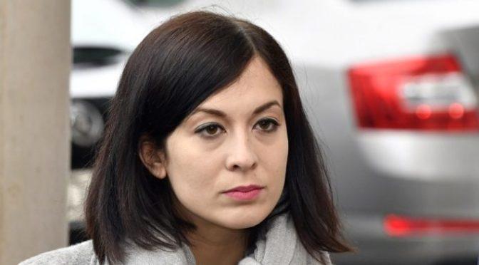 """""""Károlyi Mihályné"""" Cseh Katalin – Világos, egyenes beszéd"""