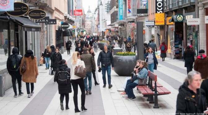Bezzegsvédországban: Lemondanak az idős fertőzöttekről
